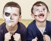 O apocalipse do zombi caçoa o conceito Facepaint da celebração da festa de anos na noiva inoperante das crianças, cara da cicatri Fotos de Stock Royalty Free