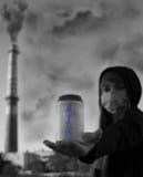 O ar é um tesouro não disponível a todos em nosso futuro imagem de stock