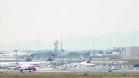 O ar de Airbus 321 wow gerencie filme