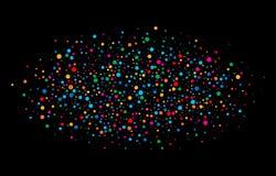 O arco-íris brilhante colorido colore papéis redondos dos confetes ovais da nuvem isolados no fundo preto Imagens de Stock