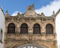 O arco de Scoppa, Ostuni, Itália Fotografia de Stock Royalty Free