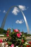 O arco do Gateway em St Louis, MO fotos de stock