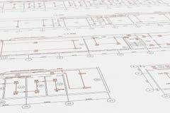 O arquiteto planeia, desenho técnico do projeto com detectores do alarme de incêndio Foto de Stock