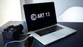 O artigo 13 a alteração à legislação de UE proibiu materiais dos meios no Internet fotografia de stock
