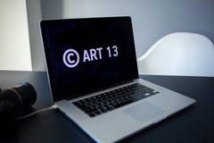 O artigo 13 a alteração à legislação de UE proibiu materiais dos meios no Internet imagens de stock royalty free