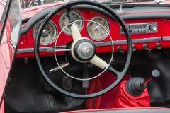 O assento de motorista retro de Romeo Giulietta Car do alfa do vintage e o dashboa Foto de Stock Royalty Free