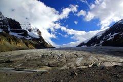O Athabasca famoso Galcier/Colômbia Icefield em Alberta/Columbia Britânica - Canadá fotos de stock royalty free