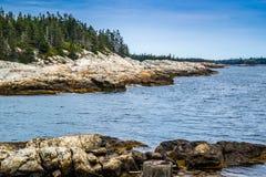 O au bonito Haut de Duck Harbor Isle no parque nacional do Acadia, Maine imagens de stock royalty free