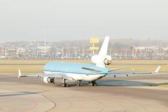 O avião pronto para descola dos Países Baixos Fotos de Stock Royalty Free