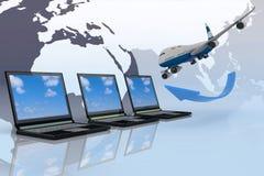 O avião viaja em torno do mundo Fotografia de Stock