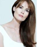 O azul bonito eyed a mulher com cabelo longo, reto Foto de Stock