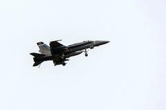 O azul dobra o avião de combate Fotografia de Stock