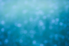 O azul frio colore o fundo do bokeh Foto de Stock Royalty Free