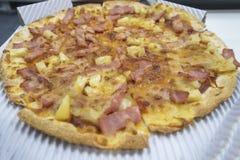 O bacon da pizza olha delicioso para o fast food fotografia de stock royalty free