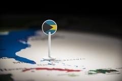 O Bahamas identificou por meio de uma bandeira no mapa foto de stock