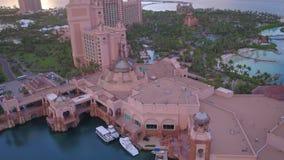 O Bahamas Nassau o por do sol aéreo 4K do julho de 2017 inspira 2