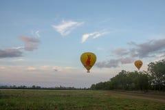 O balão de ar quente photgrphed no Bealton, mostra de ar do circo do vôo do VA fotografia de stock royalty free