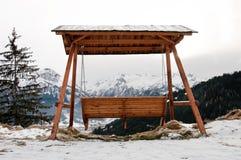 O balanço do dossel no lago water Reservoir, Schmittenhöhe, Zell Am considera Imagem de Stock Royalty Free