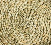 O bambu é um fundo horizontal curvado cruz-feito Fotos de Stock Royalty Free