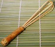 Batedor de ovos de bambu do chá Fotografia de Stock Royalty Free