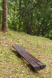 O banco é feito da madeira Imagem de Stock