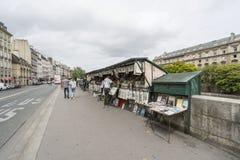 O banco esquerdo do Seine em Paris Imagem de Stock