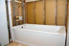 O banheiro remodela a cuba e paredes desencapadas imagens de stock royalty free