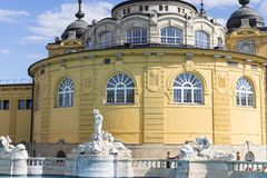 O banho medicinal o mais velho de Szechenyi é o banho medicinal o maior em Europa Foto de Stock Royalty Free