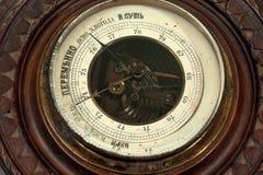 O barômetro de madeira do vintage Fotos de Stock