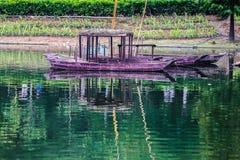 O barco na lagoa Imagem de Stock Royalty Free