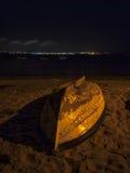 O barco na noite Imagem de Stock