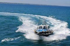 O barco no mar Mediterrâneo Fotos de Stock Royalty Free