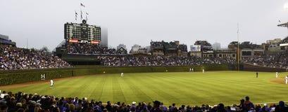 O basebol - Chicago Cubs - Wrigley coloca a parte exterior do campo Fotos de Stock