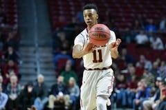 2015 o basquetebol dos homens do NCAA - Delaware no templo Fotos de Stock Royalty Free