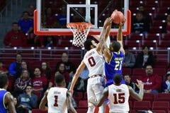 2015 o basquetebol dos homens do NCAA - Delaware no templo Fotografia de Stock