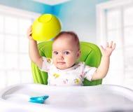 O bebê com fome quer comer Imagens de Stock Royalty Free
