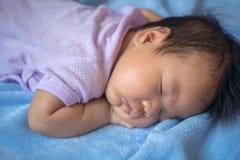 o bebê de 1 meses estava dormindo Foto de Stock Royalty Free