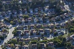 O beco sem saída suburbano do sul de Califórnia dirige a antena foto de stock royalty free