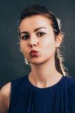 O beijo da mulher Imagem de Stock