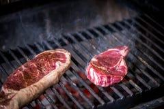 O bife é grelhado Imagem de Stock Royalty Free