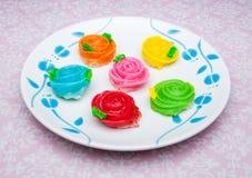 O bolinho de massa pegajoso/colorido friáveis da sobremesa tailandesa nomeou Aa - Lua   Foto de Stock