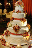 O bolo de casamento Imagens de Stock Royalty Free