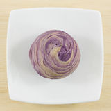 O bolo de cristal violeta taiwanês do taro Imagens de Stock Royalty Free