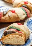 O bolo do esmagamento, reis endurece ou Rosca de Reyes Foto de Stock Royalty Free
