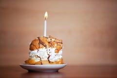 O bolo por um momento especial gosta do aniversário Imagens de Stock