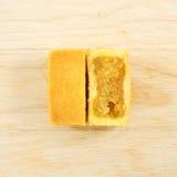 O bolo taiwanês saboroso da pastelaria do abacaxi com gema fotos de stock royalty free