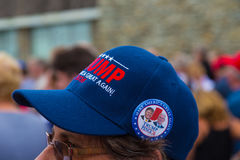 O botão das moedas de um centavo do trunfo faz sobre a América o grande outra vez chapéu Foto de Stock Royalty Free