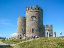 O ` Brien在Moher,克莱尔郡,爱尔兰峭壁的` s塔  免版税库存图片