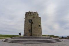 O'Briens torn nära naturunder - klippor av Moher Royaltyfria Bilder