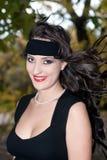 Brunette bonito com um headband preto Imagens de Stock Royalty Free